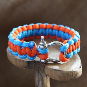 Image of Paracord Shackle Bracelet